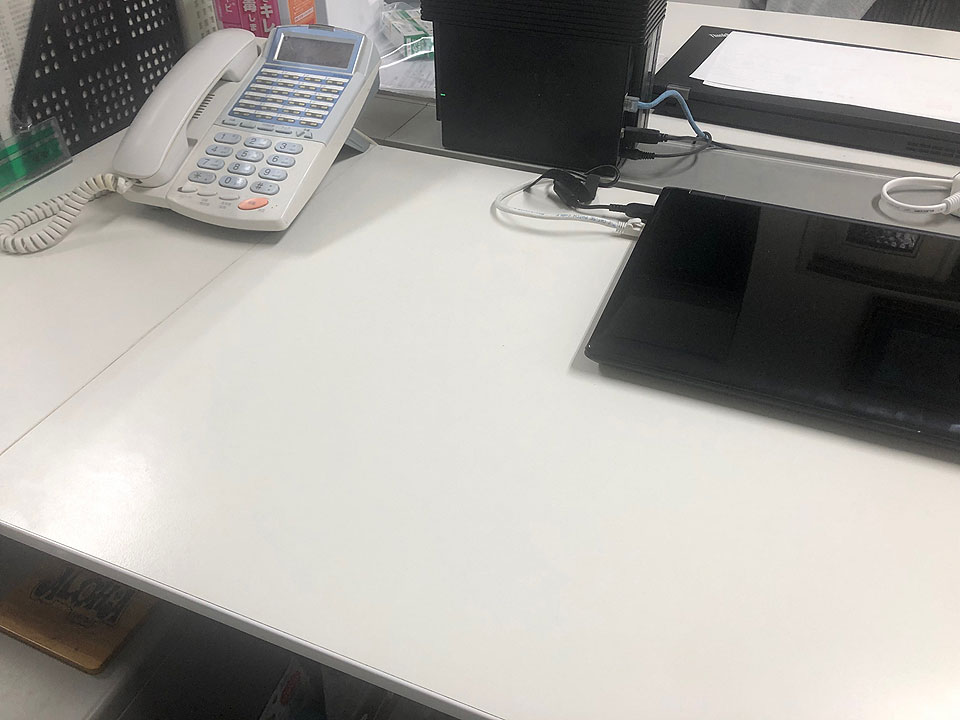 mr-h-s-desk02